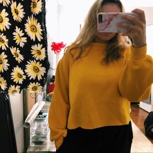 Tops - Cropped Yellow Crewneck